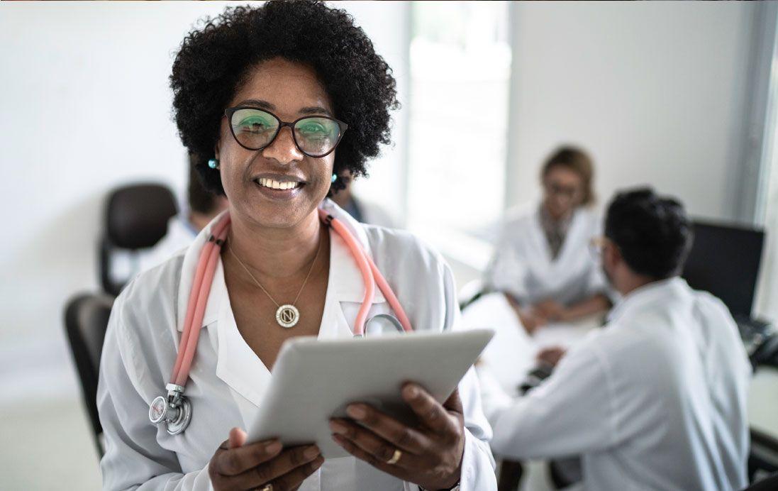 Dr. Holding iPad